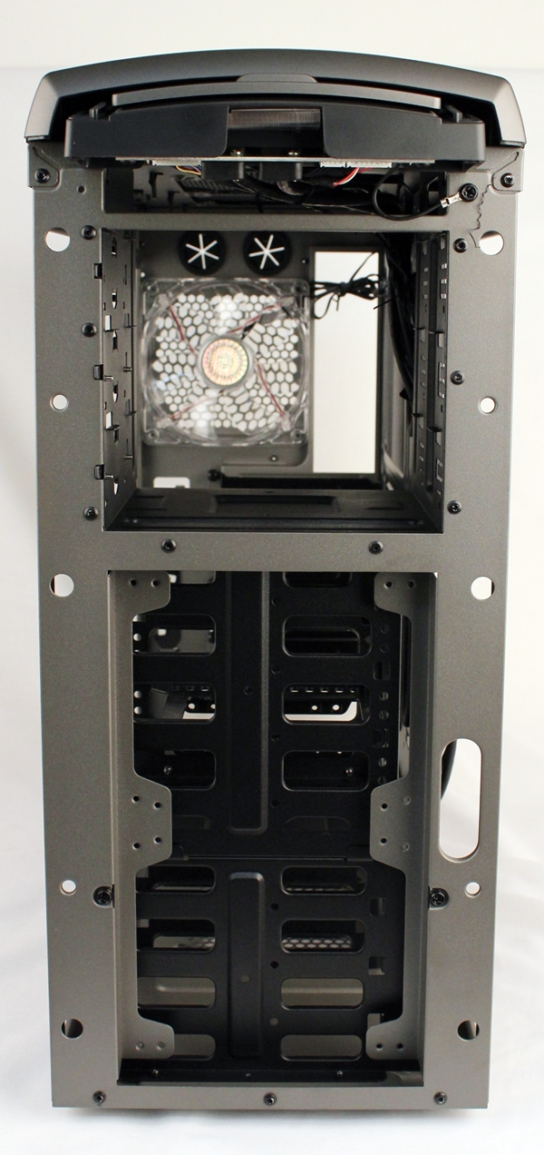 There are options to mount a pair of 120mm cooling fans at the front or we can opt to mount a single 140mm one. Only the top mounting option is in use if the larger cooling fan is installed.