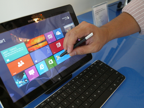 The S-Pen gives users a greater flexibility on how to use their Windows 8 tablet.