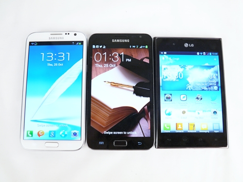 Phablet lineup (from left to right): Samsung Galaxy Note II, Samsung Galaxy Note and the LG Optimus Vu.