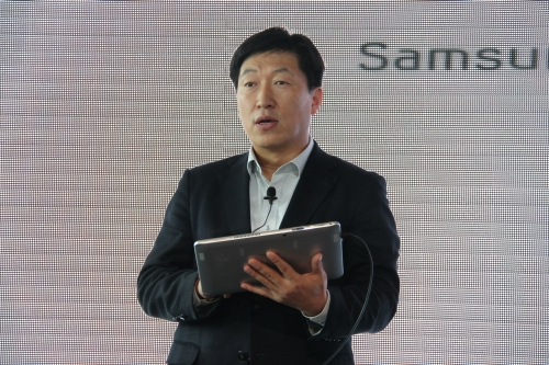 Kwon Jae Hoon, Managing Director, Samsung Malaysia Electronics started off the event with a brief explanation on the new Samsung ATIV Smart PC