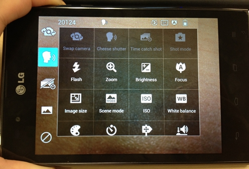 The LG Optimus Vu comes with a simple camera interface that allows users to place up to four shortcuts to favorite and regularly used features.