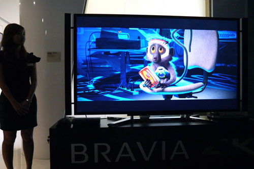 During this brief demonstration, Sony's XCA8-4K chip and 4K X-Reality PRO video engine were put to the test when a sample of Blu-ray content was upscaled on the 4K screen. Images weren't as defined on a smaller TV screen comparatively, but visual details were nonetheless impressive.