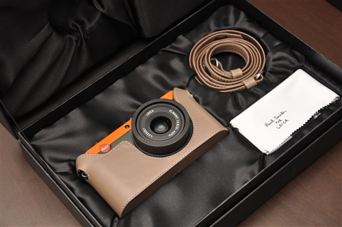 There will only be 1,500 units of the Leica X2 Paul Smith Edition around the world, making it incredibly exclusive.