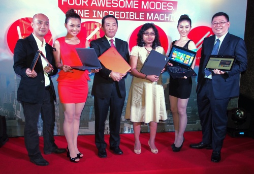 From L-R: Jimmy Chin, Consumer Segment Lead, Lenovo Malaysia; Khoo Hung Chuan, Country General Manager, Lenovo Malaysia; Amrita Sapre, Windows Product Group Manager, Microsoft Malaysia; and Wu Hua Horng, SMB Product Manager, Lenovo Malaysia with the latest IdeaPad Yoga and ThinkPad Twist devices