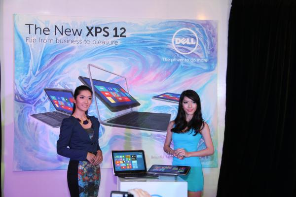The XPS 12 being displayed in its Ultrabook and Tablet form. Yes, those models are twins.