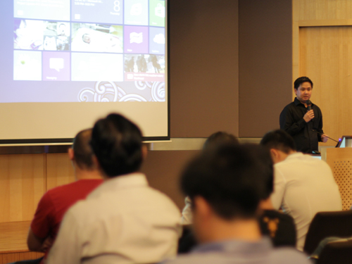 Chong Seng rounds up by pointing out some of the little tips and tricks that users can employ to master Windows 8.