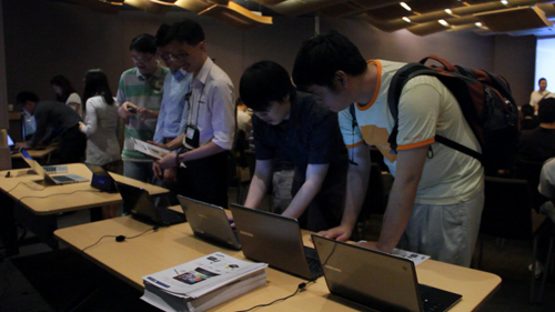 We had on hand the latest Windows 8 products from most of the major notebook manufacturers like HP, Lenovo, Samsung, Sony and Acer. Even local gaming notebook manufacturer, Aftershock, turned up to show us that Windows 8 is just as adept at gaming as Windows 7 is.