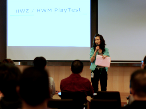 Microsoft's Windows Client Business Group Lead, Joy Quek followed up on Vijay's opening with a warm welcome to the attendees, followed by a short story on her personal experience with Windows 8 and as well as how the OS will play a bigger role with regards to personal computing.