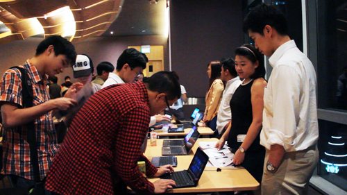Representatives were on hand to help out with queries, that aren't limited to how Windows 8 works, but also on device specific questions.
