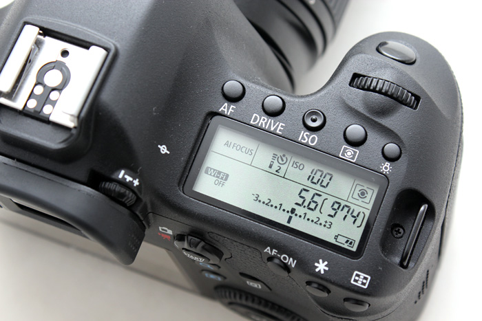 The 6D keeps the top LCD panel, which lets you see and change your camera settings quickly.