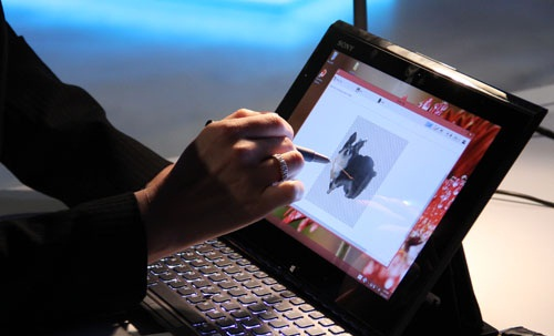 Sony UX Communications Product Manager, Ayumi Hashimoto, using the Digitiser Stylus and Active Clip to easily trace and cut out a picture of her dog.