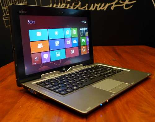 Together with the keyboard dock, the Fujistu Lifebook has even more ports than a regular Ultrabook.