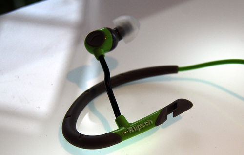 In this shot you can the the bendable arm for the ear-bud of the A5i which can be used to adjust fit.