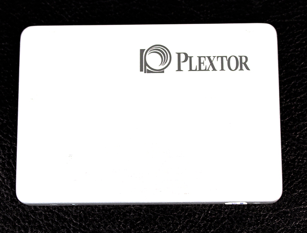 The Plextor M5 Pro is almost Zen-like in design, featuring a shiny aluminum cover with the company logo emblazoned proudly in the corner. The drive comes in a 7mm form factor.
