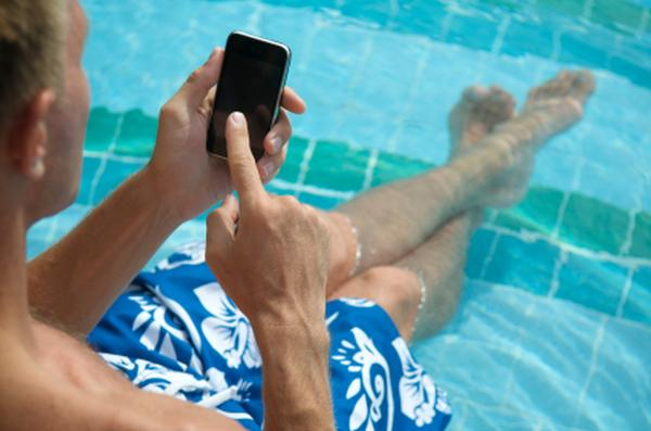 Even while on vacation, many travelers still find it hard to switch off their devices.
