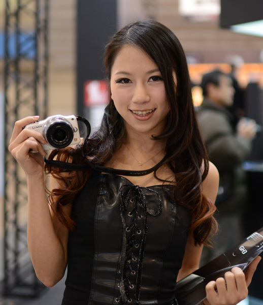 Panasonic's Lumix G series remains one of the most popular mirrorless system camera lines, and it's only natural for Panasonic to release another lens for the Micro Four Thirds system.