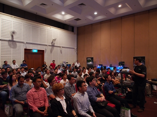 The audience in rapt attention to Mr Yeo as he spoke about the compute capabilities of the GTX Titan.