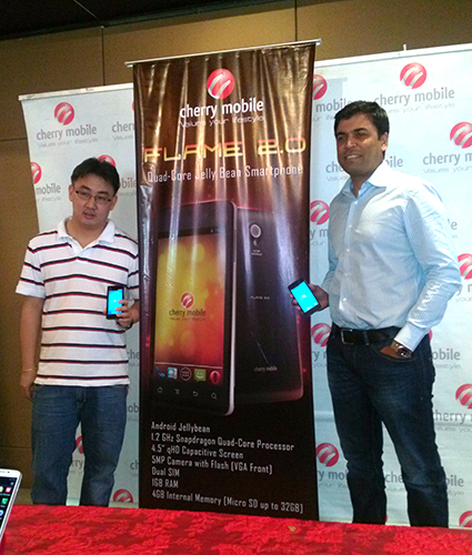 Lonson Alejandrino, Product Manager for Cherry Mobile and Mantosh Malhotra, Qualcomm's Country Head for the Philippine market introduced the Flame 2.0 to the media and bloggers present at the event.