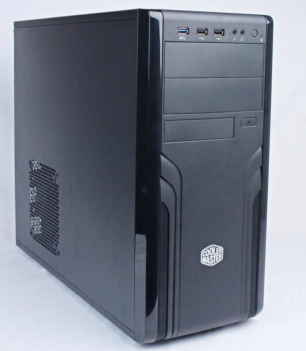 The Cooler Master CM Force 500 is a mid-tower chassis that sports a black, classy facade. At first glance, we felt that it bore a strong resemblance to the Cooler Master Elite 431 Plus.