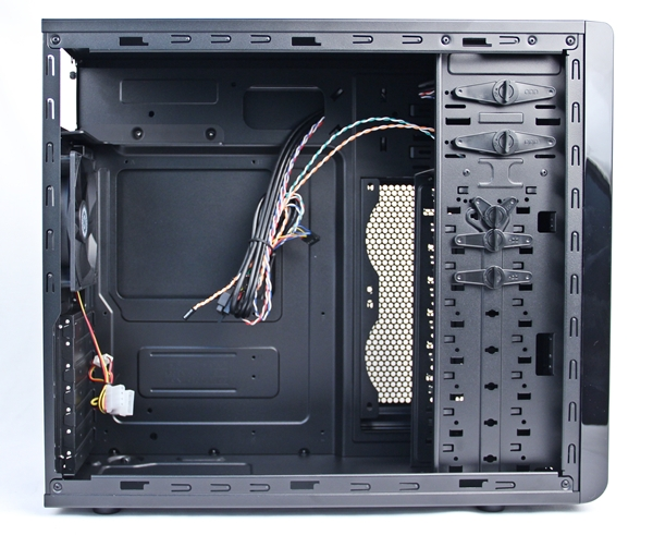 The interior of the CM Force 500 is roomy and is touted by Cooler Master to be able to accommodate high-end graphics cards like the AMD Radeon HD 7990-based ones. (Of course, if you can afford that class of graphics cards, you would get yourself a high-end chassis and not an entry-level one such as this.)