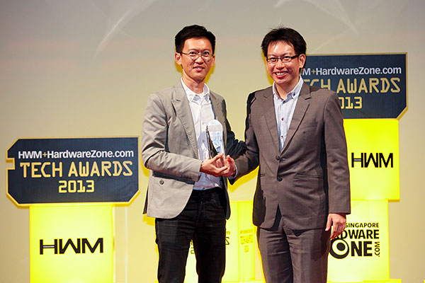 Nokia picked up two Editor's Choice awards: Nokia 808 PureView for Best Smartphone Innovation, and Nokia Lumia 820 for Best Mainstream Smartphone. Mr. Tay Eng Wah, who is the Head of Marketing for Nokia in Singapore, was present to receive the awards.