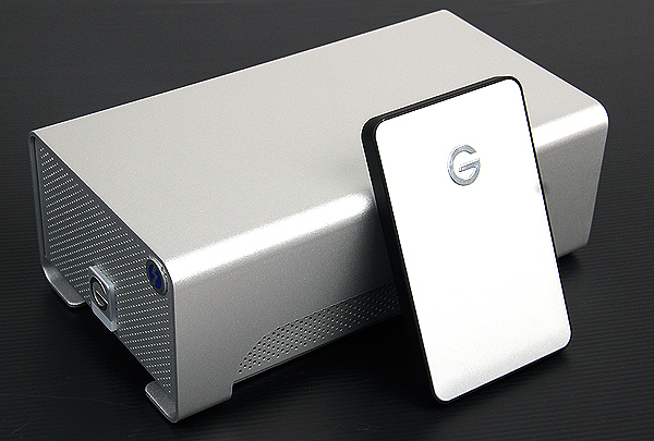 Since it has two 3.5-inch form factor 7200rpm drives inside, the G RAID with Thunderbolt takes up considerable desktop real estate. Here it is juxtaposed with a G Drive portable external hard disk placed in front of it.