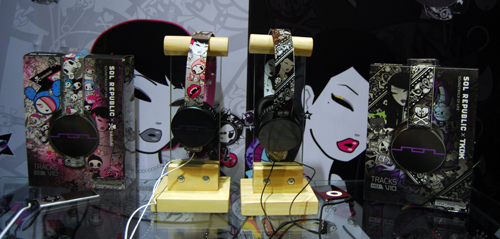The Sol Republic tokidoki (left) and the Sol Republic TKDK (right) are essentially the same product with a different color scheme.