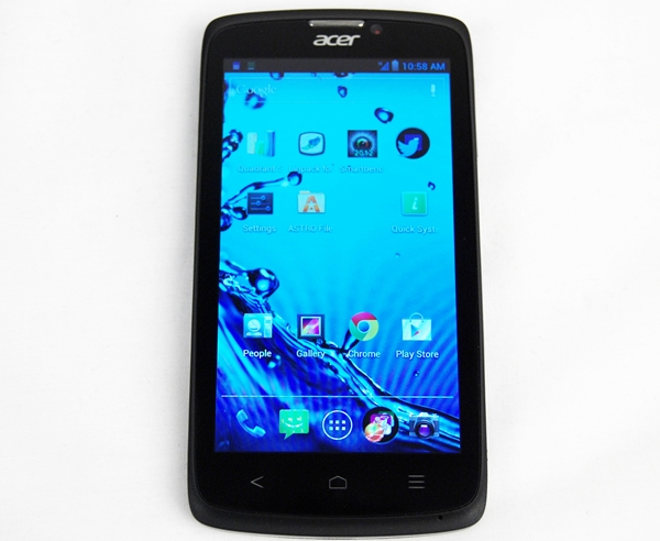 Nothing too extraordinary about the design of the Acer Liquid C1.
