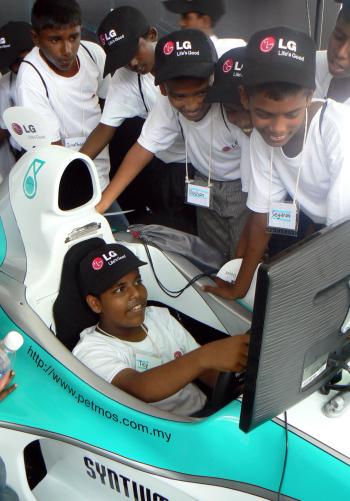 The children were given the chance to play around with F1 simulators, giving them a taste of what F1 drivers experience