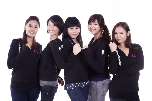 All-women DOTA 2 team, PMS Asterisk have entered a partnership with SteelSeries