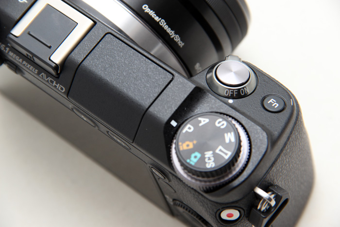 The NEX-6 is comfortable to hold and use; you can power up the camera and be prepared to shoot in one single motion.