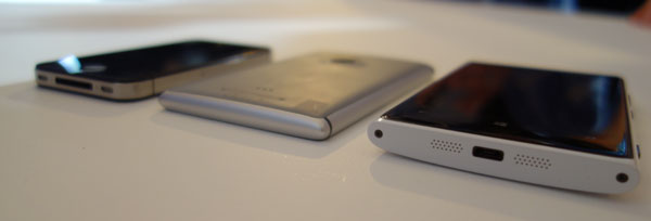 Comparing thickness; from the left: iPhone 4S, Lumia 925, Lumia 920.