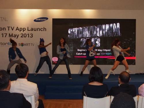 There were three performances during the event. The first one was Soul Krazy...
