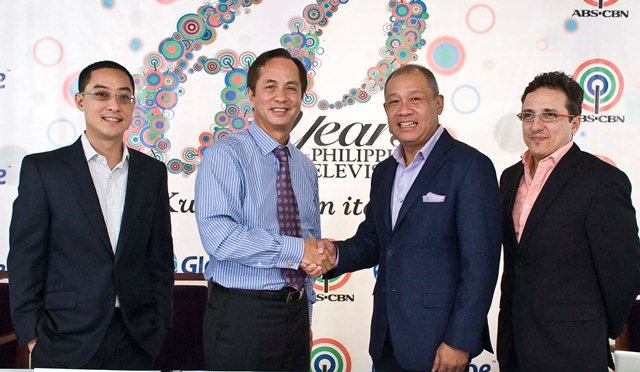 "The official beginning of media convergence in the country is made possible by the historic partnership between ABS-CBN Convergence and Globe Telecom. From left to right: ABS-CBN Convergence president & managing director Carlo Katigbak, ABS-CBN chairman Eugenio ""Gabby"" Lopez III, Globe Telecom president & CEO Ernest Cu, and Globe senior adviser for consumer business Peter Bithos."