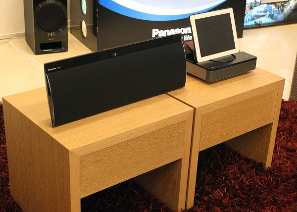 Also demoed were a few new Panasonic wireless docking speakers to augment mobile gadgets. On the left is the SC-NE5 wireless speaker system and on the right is the SC-NP10 wireless speaker system for tablets.