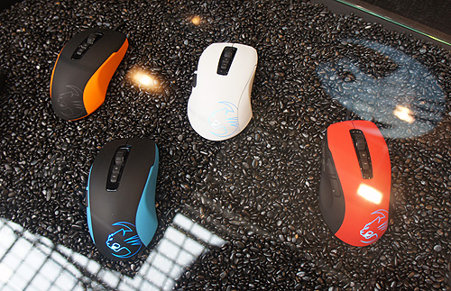 The Roccat Kone Pure is now available in spanking new colors.