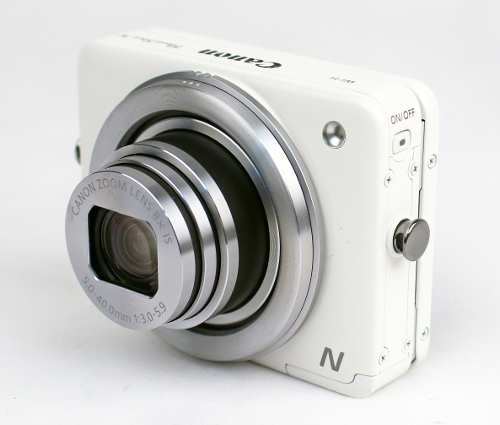 As you can notice, the unusually shaped Canon PowerShot N is quite handily sized at 78.6 x 60.2 x 29.3mm.