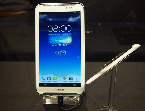 ASUS takes the best features of its competitors - the dual front-facing speakers of the HTC One and the stylus concept of the Samsung Galaxy Note series - and morphs into the Fonepad Note FHD 6.