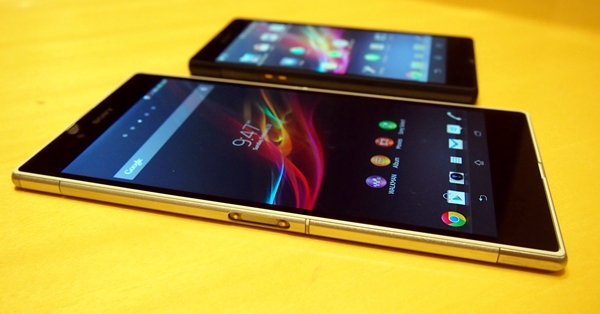 """From this angle, it appears that the Sony Xperia Z Ultra (foreground) does not suffer from the """"whitwashed"""" effect that plagued the Xperia Z (background)."""