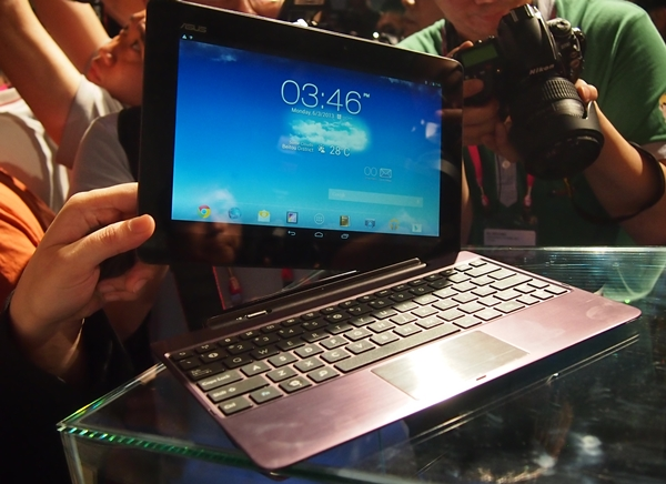 The ASUS Transformer Pad Infinity applies the same docking concept as the Eee Pad Transformer which was introduced in 2011.