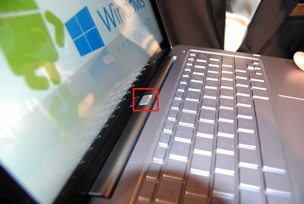 The release button needed to be pressed before the tablet screen can be pulled off gently to operate as an Android tablet.