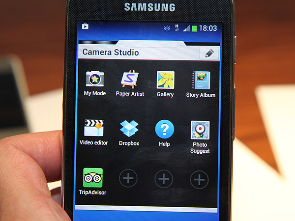 The Camera Studio widget lets you pin your favorite apps and settings so you'll be able to access them immediately.