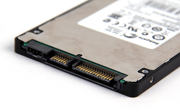 As befits a high-end SSD, the Seagate 600 SSD uses the SATA 6Gbps interface for speedy data transfers.