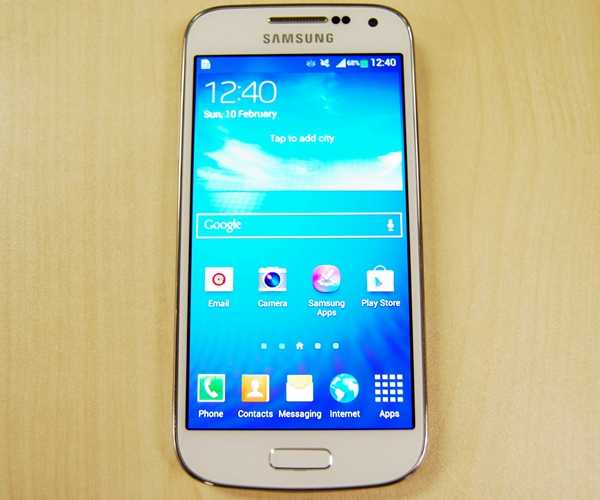 The Samsung Galaxy S4 mini costs $698 (inclusive of GST) without line contract.