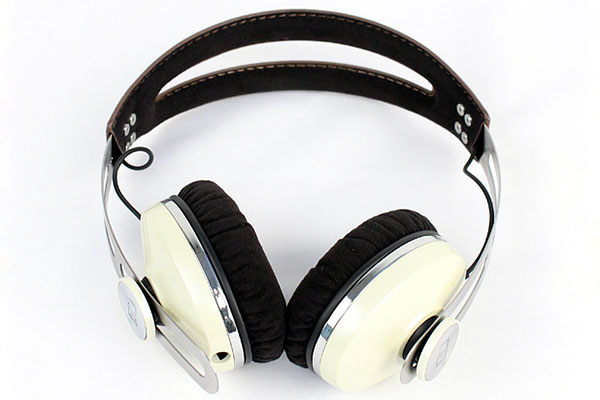 The Momentum headphones from Sennheiser now come in an On-Ear version for fans of the supra-aural wearing style.