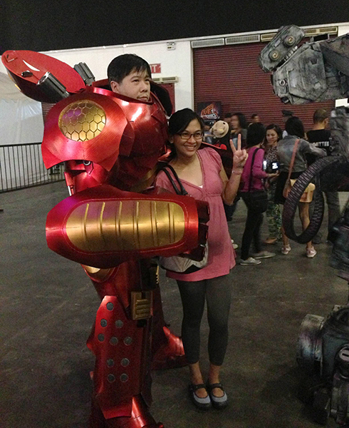 Level Up! Live didn't just celebrate gamers' skills in-game, it also celebrated their real world beauty and talents. The crowd was wowed with colorful costumes during the cosplay and Headgear competitions. We managed to snap a photo of Asian Tony Stark.