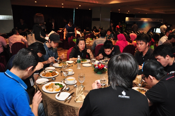 Dealers and members of the media having a sumptuous dinner during the event.