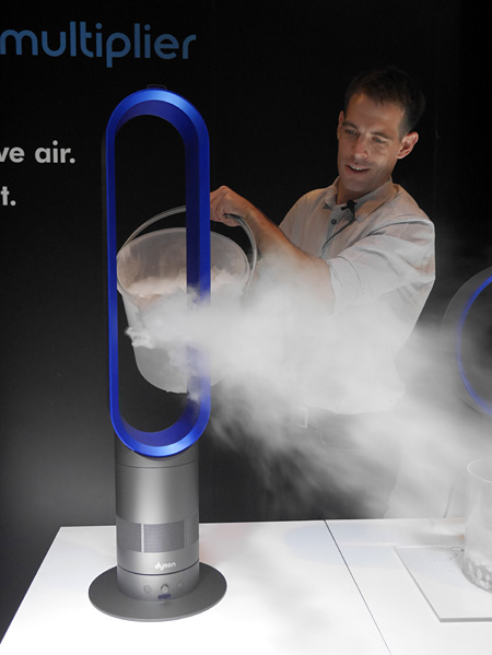 A Dyson engineer demonstrates the Mini Tower's airflow with the help of dry ice.