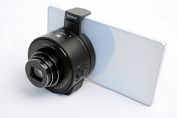 The Cyber-shot DSC-QX10 mounted on a Sony Xperia Z smartphone.