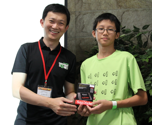 Five units of the SanDisk Extreme SSD 240GB were given out as consolation prizes for the mini-games. Now, that's some fantastic consolation prizes.